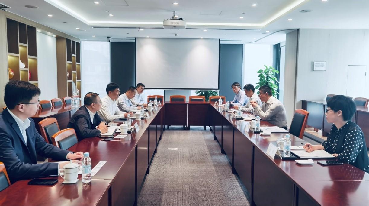 金谷信托总经理徐兵一行拜访上海农村商业银行